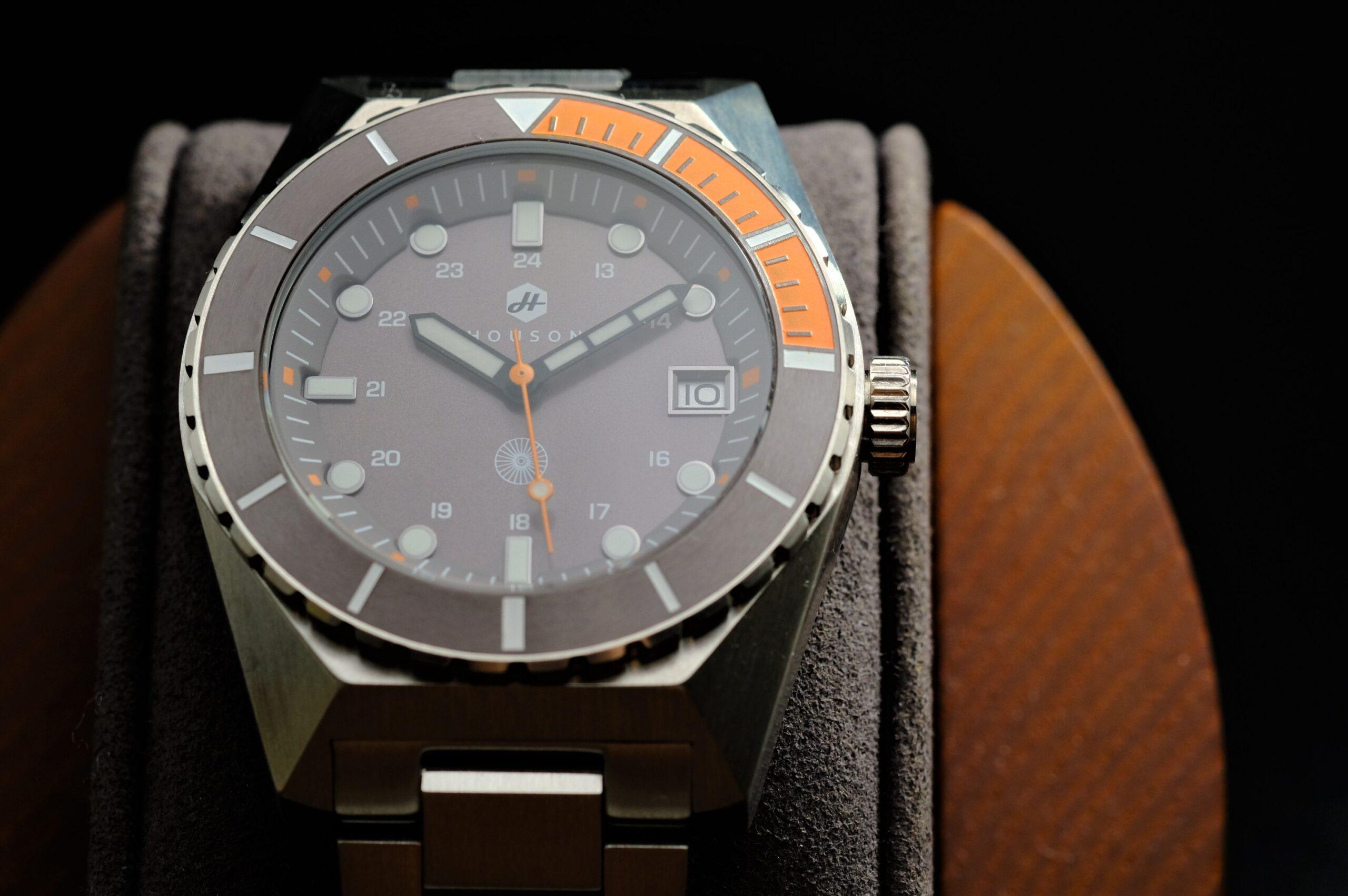 amwg-diver-orange-grey-5